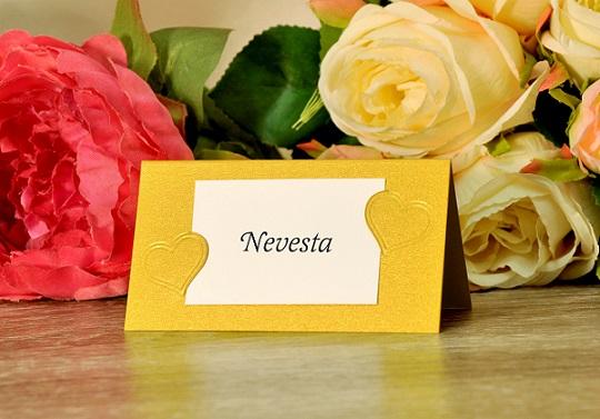 26a401b13e3d Zlatá menovka na svadobný stôl